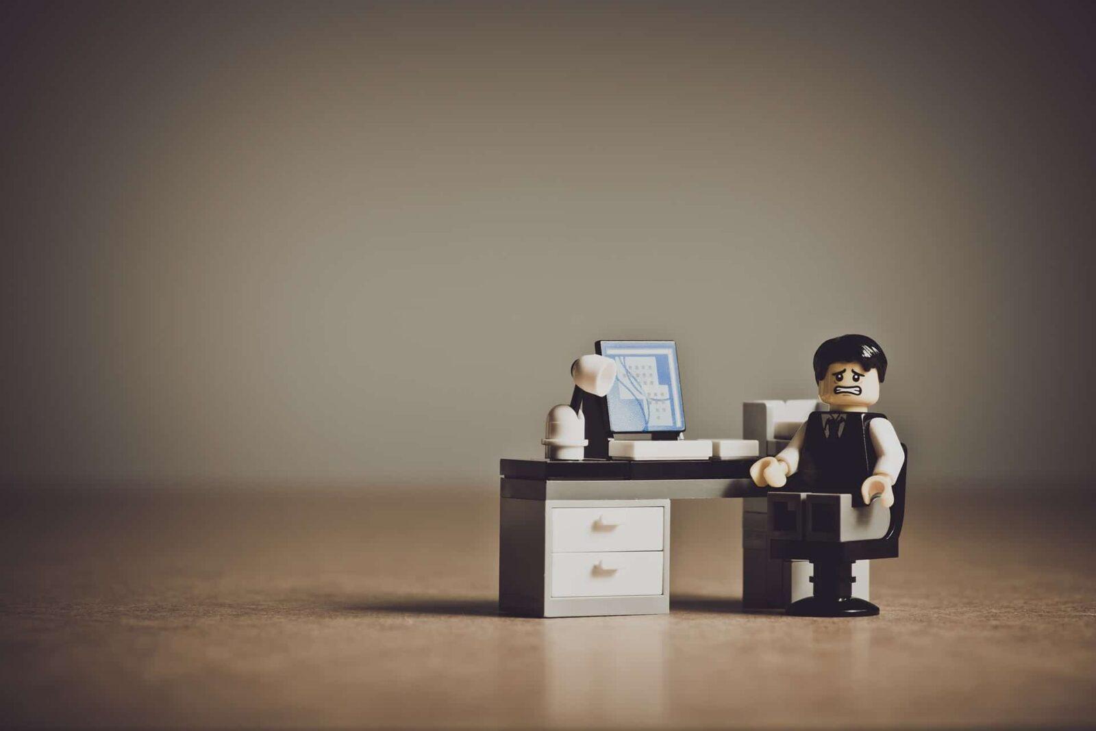 חרדה מג'וקים במקום העבודה